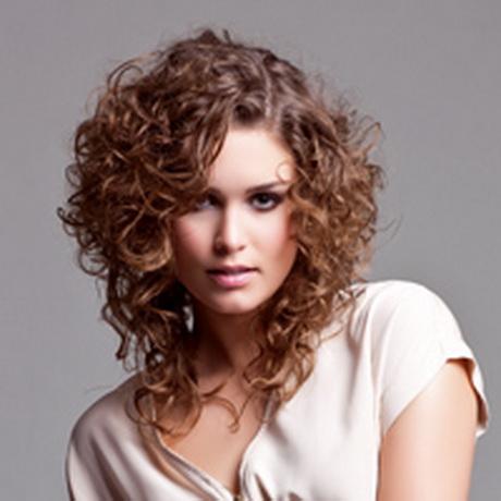 Cheveux court visage rond for Visage long fin quelle coupe cheveux femme