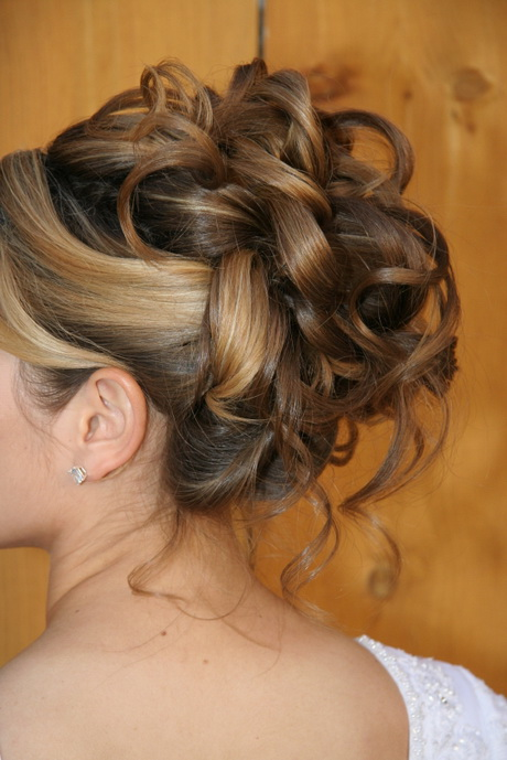 50 Dreamy Wedding Hairstyles For Long Hair: Chignon De Mariage Cheveux Court