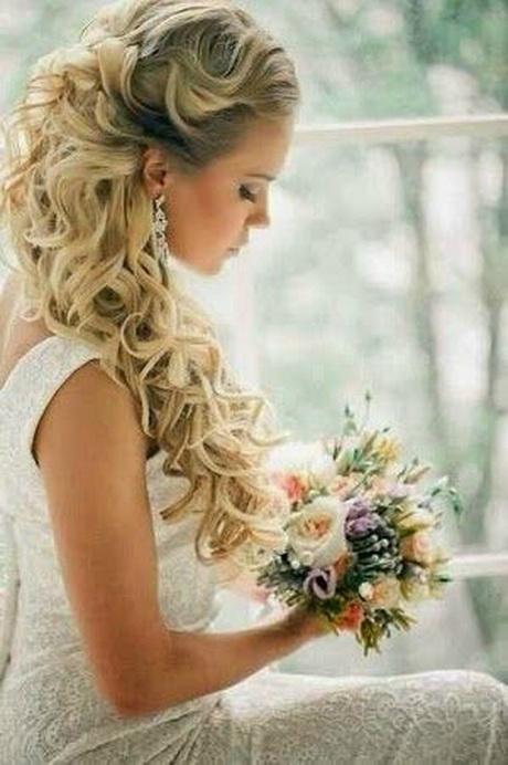 Chignon mariage cheveux longs