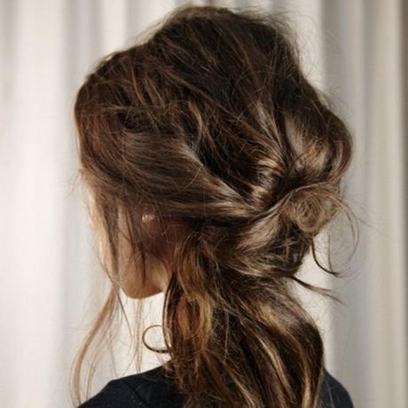 coiffure cheveux longs attach s. Black Bedroom Furniture Sets. Home Design Ideas