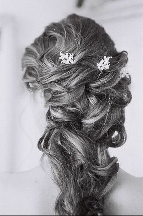 coiffure chignon mariage cheveux longs. Black Bedroom Furniture Sets. Home Design Ideas