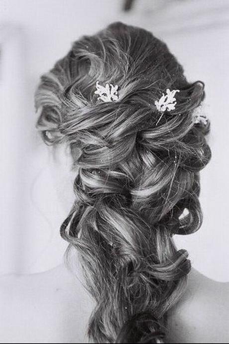 coiffure chignon mariage cheveux longs. Black Bedroom Furniture Sets. Home Design Ideas