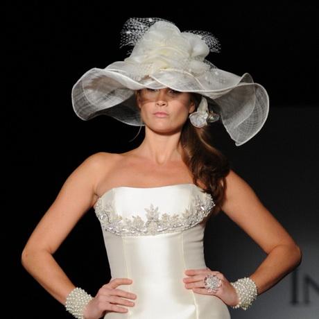 coiffure de mariage avec chapeau. Black Bedroom Furniture Sets. Home Design Ideas