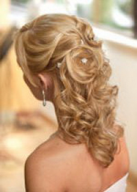 coiffure mariage cheveux longs. Black Bedroom Furniture Sets. Home Design Ideas