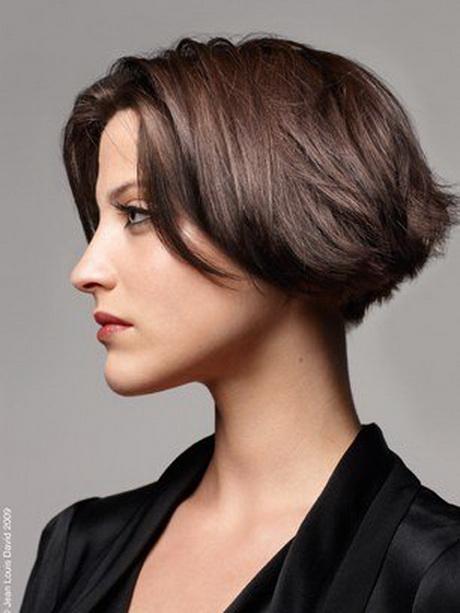 Coupe cheveux court carr for Coupe de cheveux court plongeant