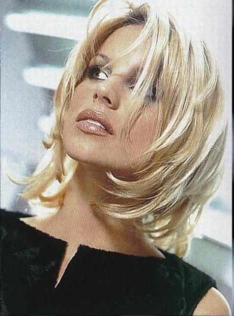 Coupe cheveux mi long blond