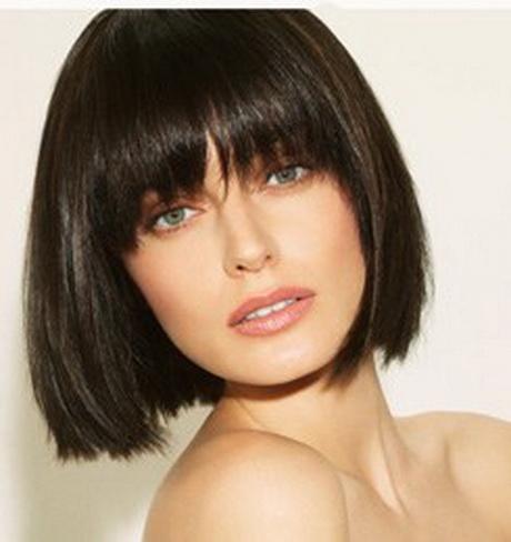 Coupe de cheveux femme à la mode
