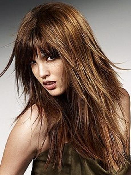 coupe de cheveux long d u00e9grad u00e9 avec frange
