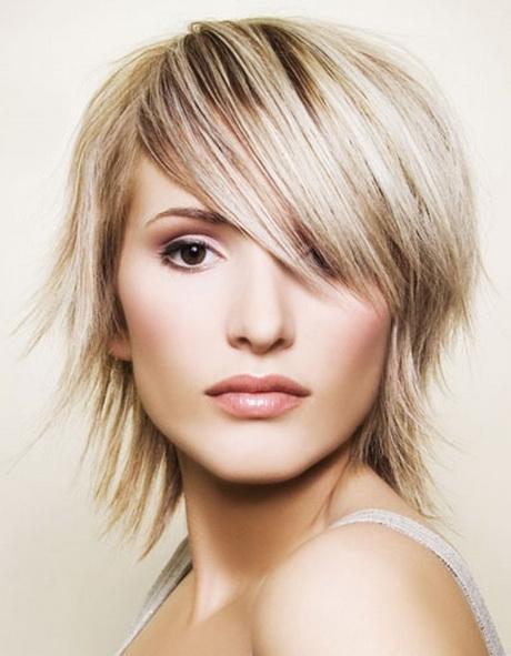 Coupe de cheveux pour visage ovale - Coupe avec frange visage ovale ...