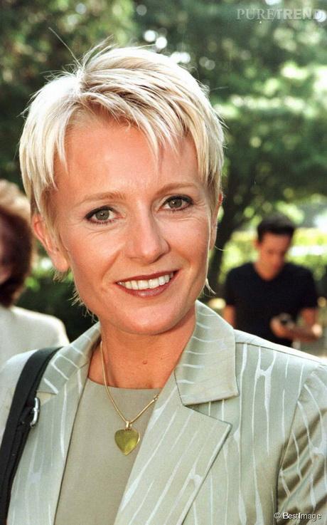 Modele coiffure courte femme 50 ans - Photo femme 50 ans ...