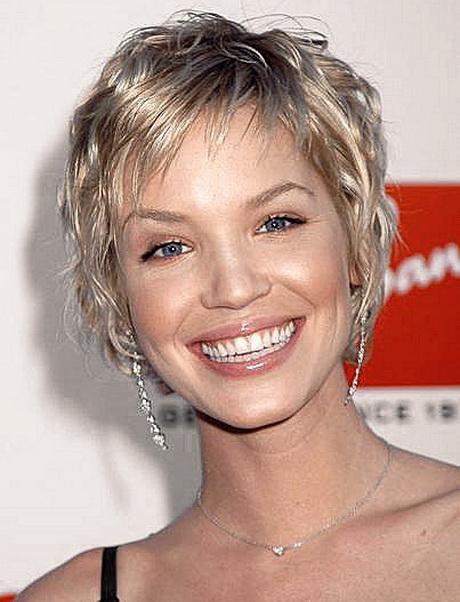 Modele de coiffure courte pour femme 50 ans - Coiffure coupe courte femme ...