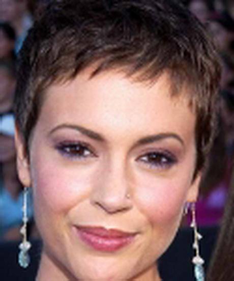 Modele de coupe de cheveux tres courte pour femme - Coiffure tres courte femme ...