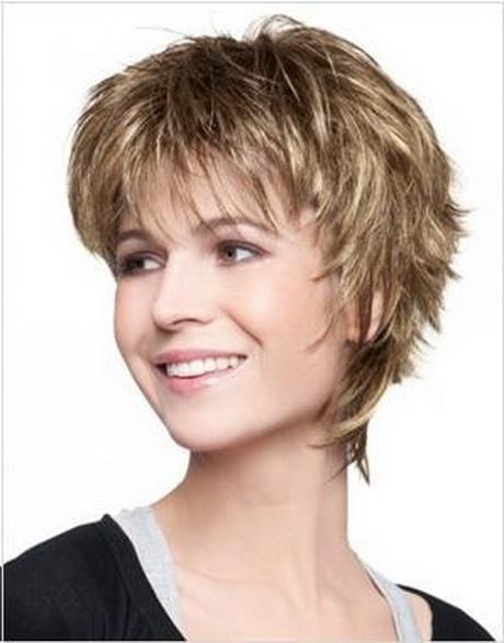 Photo de coiffure courte pour femme