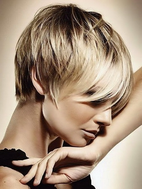 Coupes de cheveux pour les cheveux blonds minces