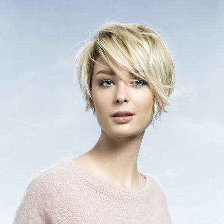 Cheveux blancs en coupe à la garçonne - 25 jolies façons