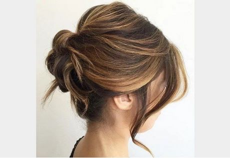 Chignon naturel cheveux mi long