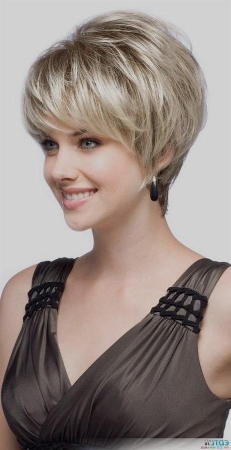Coupe courte femme 50 ans cheveux epais
