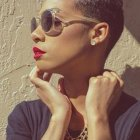 Coupe afro courte femme