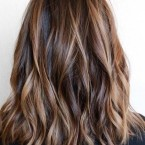 Wavy cheveux mi long