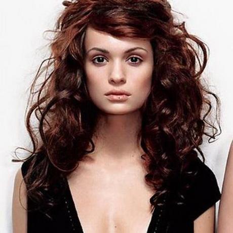 Coupe cheveux longs frisés