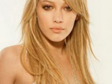 Coupe de cheveux long blond