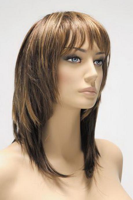 Coupe de cheveux mi long pour femme