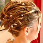 Chignons mariage cheveux courts