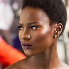 Coiffure femme africaine cheveux courts